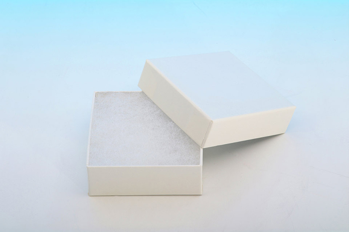 貼り箱と緩衝材の組み合わせ スポンジ例