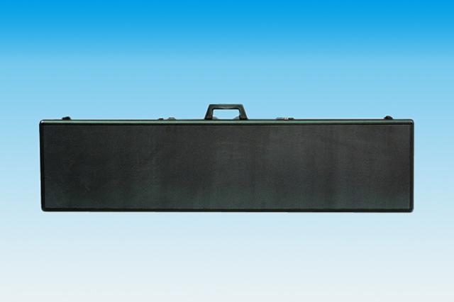 ジュラルミンケースの外装素材 プラスチック成型