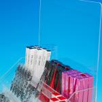 プラスチック製POP 置き型什器 美容器具展示台